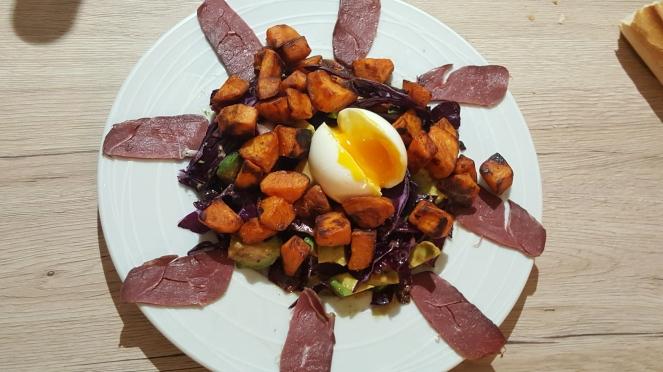 Salade chou rouge à l'œuf mollet